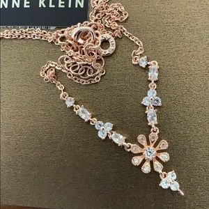 Anne Klein rose  gold  tone  necklace 🌸